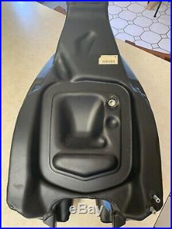 Ducati Panigale Black Fuel Tank 586.1.192.3a For 1199 Or 1299