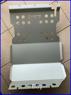 Engage4x4 fuel tank protection plate aluminium Land Rover Defender 110