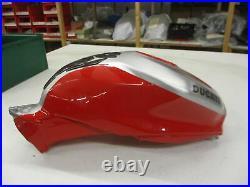 W1. Ducati 1199 R Panigale Tank Benzintank Kraftstofftank Kraftstoffbehälter